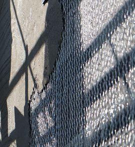 モルタル壁のひび割れ